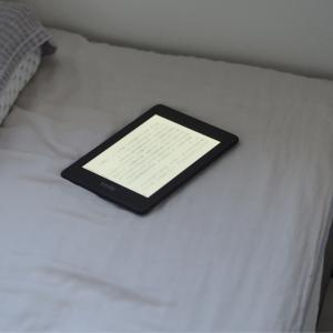 寝る前の読書がもたらすリラックス効果
