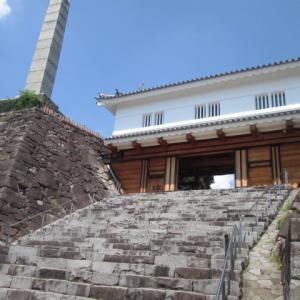 甲府城 鉄門(くろがねもん)