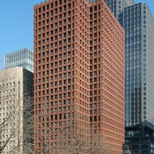 東京海上日動ビルが解体