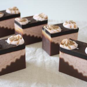 ●ダークチョコレートとシナモンの石けん