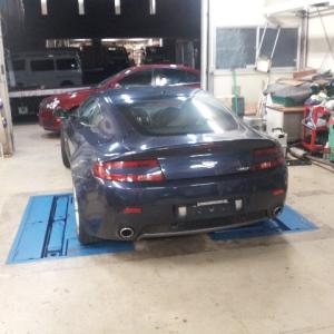 06y Aston Martin Vantage予備検査完了!!