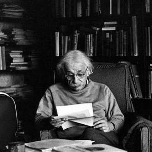 アインシュタインは…理想の科学者だよね。