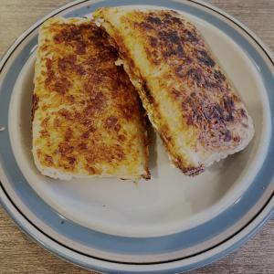 朝ごパンじゃなく朝ごはん。