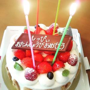 家族にお誕生日先祝いしてもらいました(^ω^)