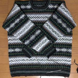 こんな素敵なセーター、一緒に編んでみませんか?