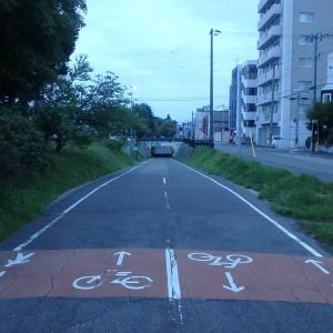北海道も熱帯夜で蒸し蒸し。早朝ランで涼を得る。