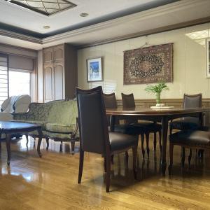 家具再生実例 富山県高岡市M様 マルニ木工ベルサイユチェアをカリモクの本革で再生修理