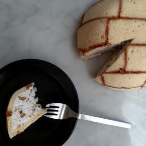 11月はセミフレッドのケーキ