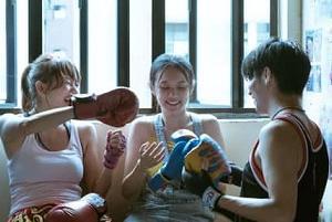 「THE CROSSING~香港と大陸をまたぐ少女~」 青春に巻き付けていくもの・・