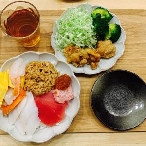 生ちらし寿司と食後のアイス