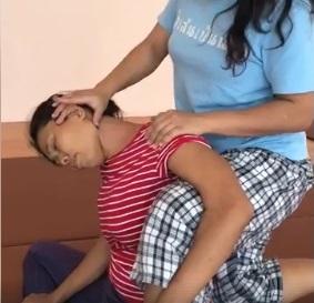 昨日の合同練習会のプチ講習は座位で肩首のストレッチ♪