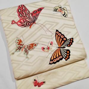横浜きもの浪漫!蝶々や鈴の刺繍帯、葡萄石榴柿の帯、おもちゃ柄、小鳥とお城、アンティーク訪問着も!