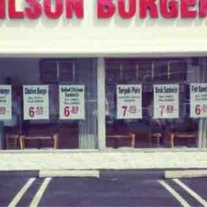 ローカルでは超有名? 禁断の味 チリチーズフライ Wilson Burger @Torrance