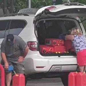 ガソリンがない⁉︎ パニック買いが始まった…