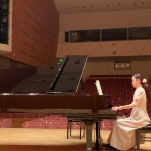 ホールでピアノ練習の日♬