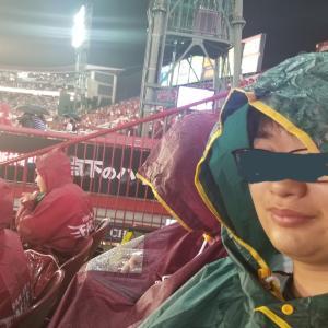 雨のなか試合観戦