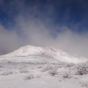 ホワイトアウトと暴風も帰りは快晴の那須三本槍岳   北温泉から