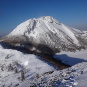 今年も雪の日光白根山 五色沼避難小屋泊