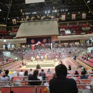 ド迫力 升席で見る 静と動  大相撲初めて升席観戦