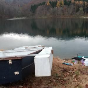 休日は山人に乗ってボートワカサギ