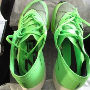 ナイキの魔法の靴★ナイキヴェイパーフライ ネクスト%日本へ発送しました!アメリカ売れ筋