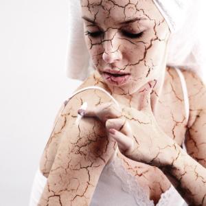 クリームを塗りたくても顔に粉が吹く人必見!