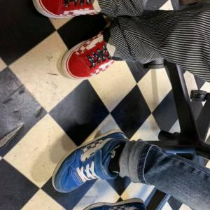 おじいちゃんとお孫さん おそろいの靴 VANSが可愛い!