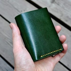 compact half wallet