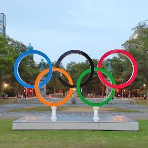 札幌・街の一コマ : 東京五輪のモニュメント