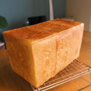 趣味のパン作りとバジル栽培