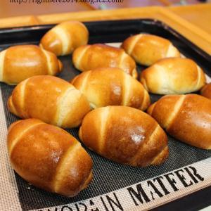 イモ虫パンとミートソース