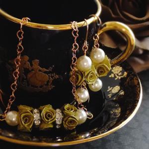 秋冬色のバラアクセ♪ロザフィのノアクワド、セット品です。