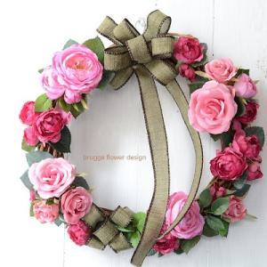 ピンク&ピンクの贅沢薔薇リース・人気の大人ピンクのリースがリニューアル・販売開始です。