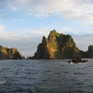 中国軍がアメリカ軍と自衛隊を動かさせずに尖閣諸島奪取するシナリオ