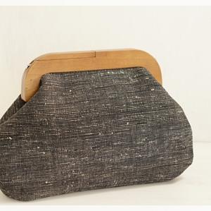 インドの手紡ぎ手織り生地で木工がま口の2WAYショルダーバッグをオーダーしていただきました。