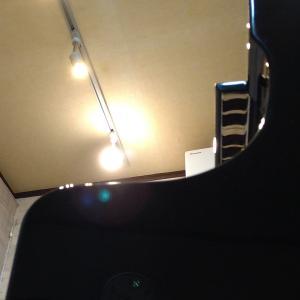 ピアノの部屋、衣(?!)替え