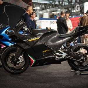 【250cc75馬力】公道走行可能な2ストフルカウル「Duecinquanta Strada」2020年モデル発表
