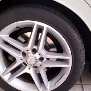 C200 タイヤパンク修理 PZERO NERO 245/40 17インチ