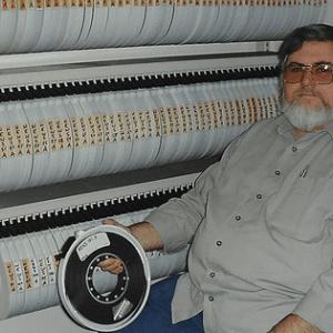 1980年代のインターネットの書き込みが磁気テープから復活