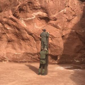 【米】まさか宇宙人?ユタ州の渓谷で謎の柱が発見される。当局も困惑「一体これは何なんだ?」