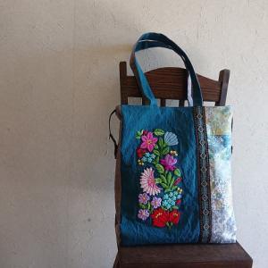 カロチャ刺繍のトートバッグ