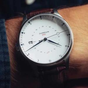 シェフは名探偵の濱田岳の腕時計