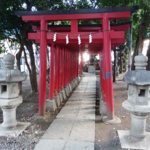 花園神社の中のお稲荷様