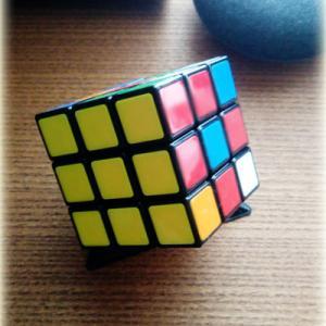 ルービックキューブとパズル問題