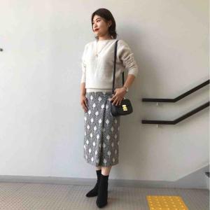 グログランウォールプリントラップタイトスカート
