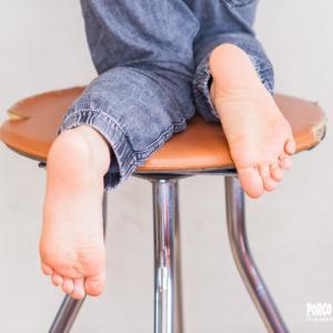 いつかの子供の足