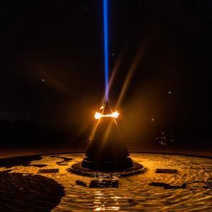 慰霊の日、平和の光の柱と平和の火