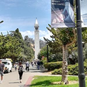 カリフォルニア大学での半日~キャンパス、自由、多言語とツーリズムを目の当たりに・・
