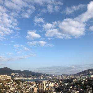 上にトンビ 下に長崎の春の朝 *。ヾ(。>v<。)ノ゙*。