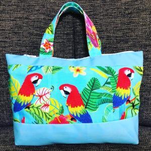 トロピカルな鳥のバッグ